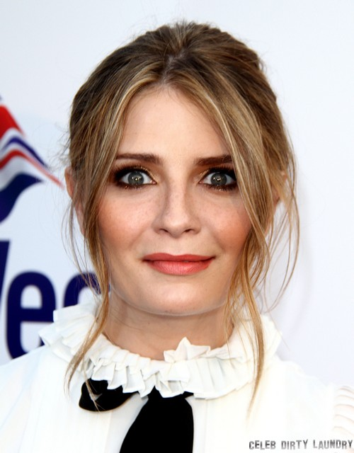 Robert Pattinson and Mischa Barton Are Having Sex and Dating - Couple Confirmed!