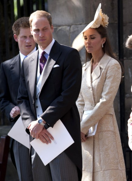 New Video Of Naked Kate Middleton And Prince William! Palace Freaking Out 1002