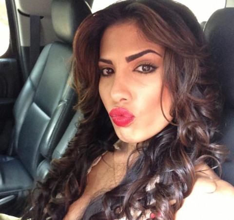 Natalie Guercio Mob Wives Star in Brutal Catfight at Manhattan Club -- Smashes Woman's Head with Bottle!