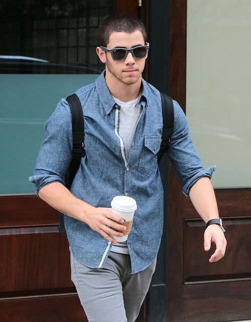 Er nick jonas dating Selena Gomez 2015