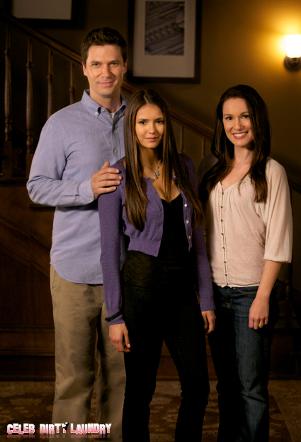 'Vampire Diaries' Director Julie Plec Gives Fans Something To Sink Their Fangs Into: Season Finale Spoilers!