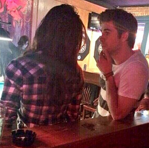 Nina Dobrev And Liam Hemsworth Hook Up In Atlanta - Spotted Lip-locked And In Love! (PHOTO)
