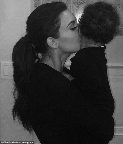 Kim Kardashian Posts North West Instagram Pic, Proves Nori Hates Her Mother (PHOTO)