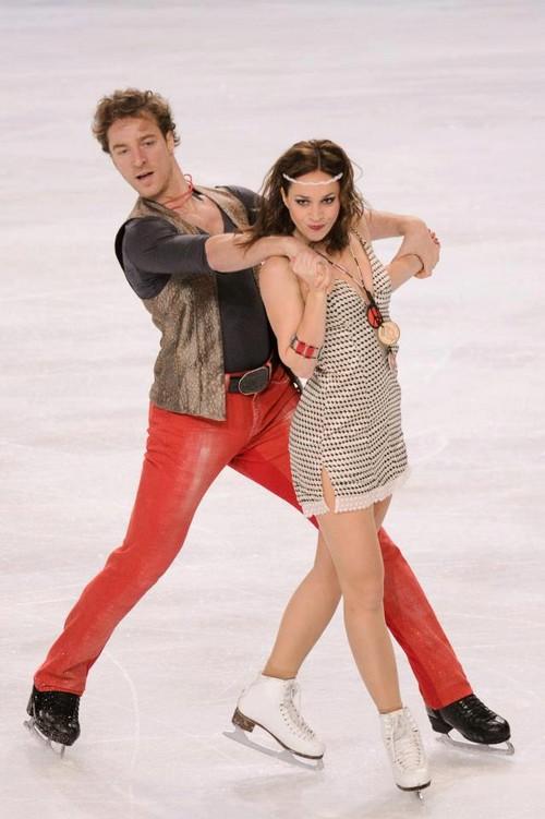 Nathalie Pechalat and Fabian Bourzat Dance Their Way to the Top of the Podium