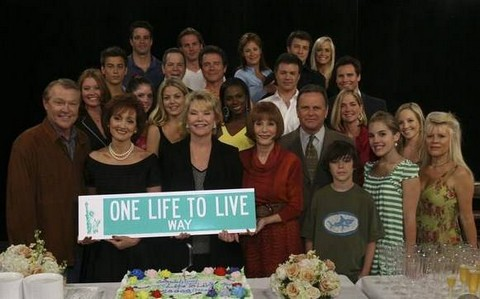 One Life to Live Soap Opera Fans and Stars Celebrate With GLOBE Magazine