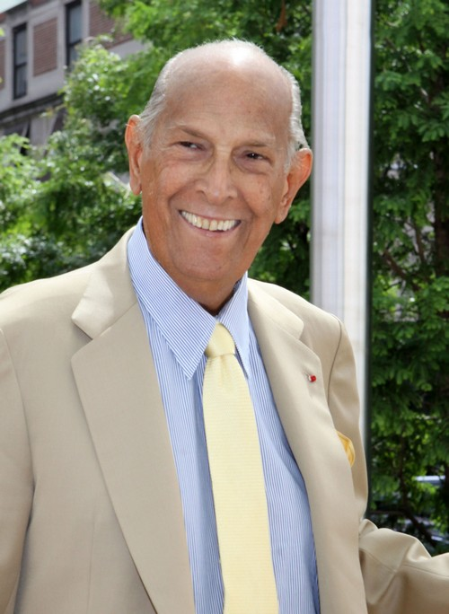 Oscar de la Renta Dead - Iconic Designer Dies at 82 Years Old