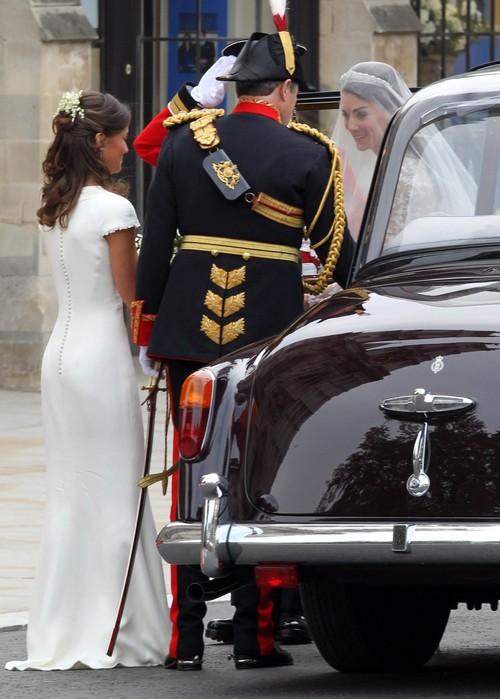 Pippa Middleton Wore a False Bottom Fake Butt During Royal Wedding - Stephane Bern (PHOTOS)