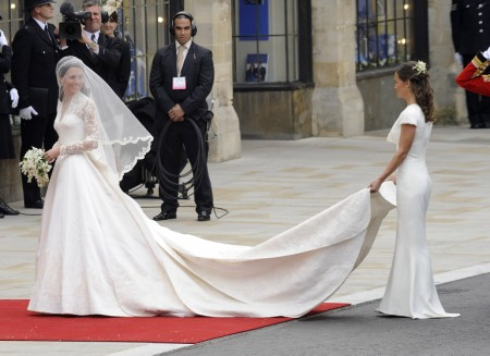 Does Kate Middleton Hold Pippa Middleton To A Double Standard? 0810