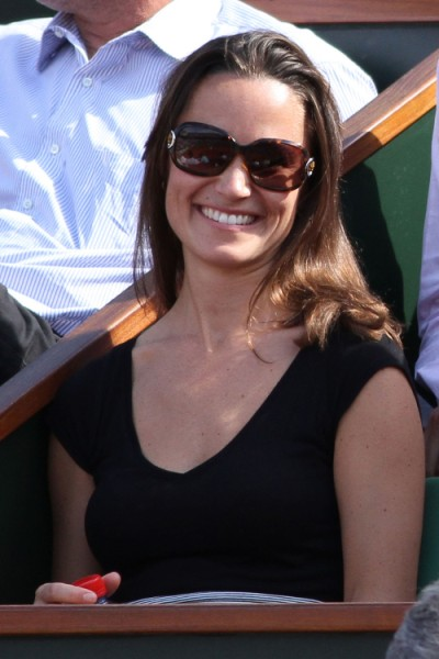 Pippa Middleton Banned From Charity Event, Palace Fears She's More Popular Than Queen Elizabeth 0619
