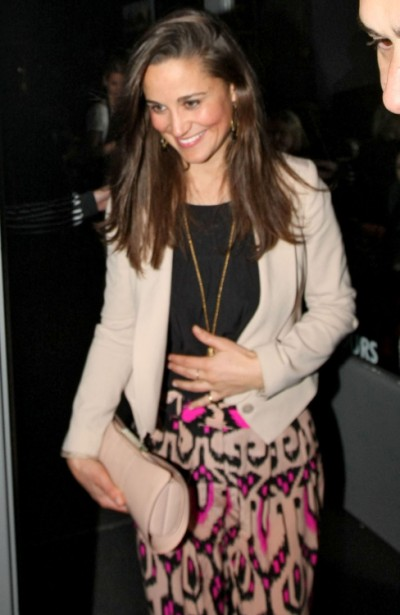 Kate Middleton Orders Pippa Middleton To Stay Out Of The Limelight, Stop Famewhoring! 0630