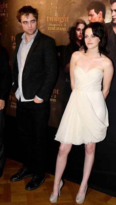 Robert Pattinson Refuses To Walk Red Carpet With Kristen Stewart 0803
