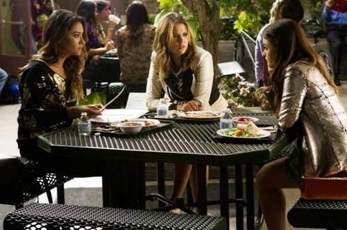"Pretty Little Liars Season 4 Episode 19 Review: Spoilers Episode 20 ""Free Fall"""