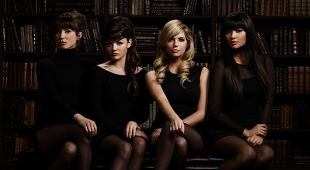 "Pretty Little Liars LIVE Recap: Season 5 Premiere ""Escape from New York"""