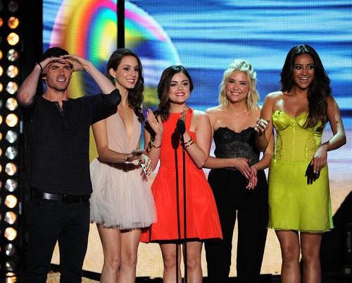 Pretty Little Liars 100th Episode Spoilers Season 5 Episode 5 Ali and Mona Cat Fight, Caleb and Jenna Return - Shocking Reveal!