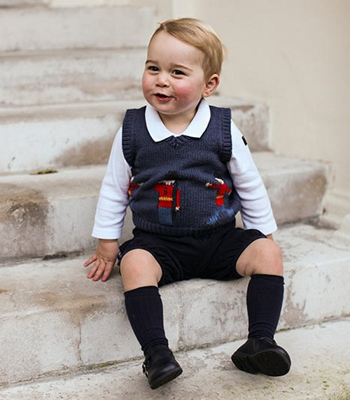 Prince George Looks For Prince William: Mixes Up China Cabinet and China Country - Kate Middleton Homonym Story