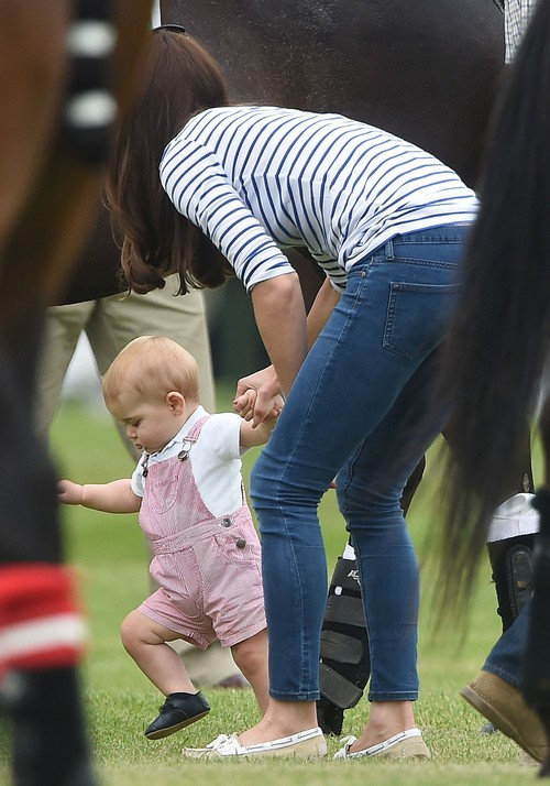 Kate Middleton Slim Figure Pics with Prince George Walking at William and Harry's Father's Day Polo Match (PHOTOS)