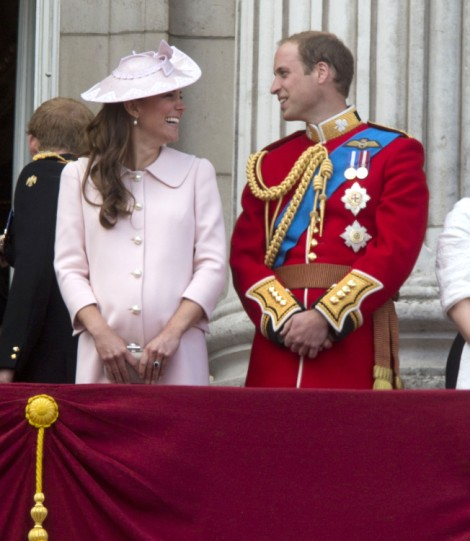 Kate Middleton's Baby Boy Is Born! Royal Baby Weighs In At 8 Lbs 6 Oz 0722