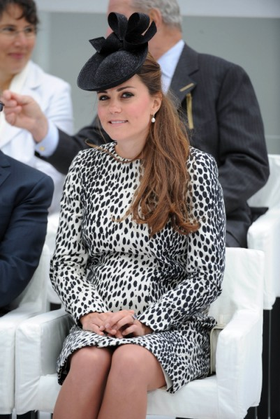 Kate Middleton Wardrobe Malfunction Highlights Last Public Engagement (PHOTOS) 0613