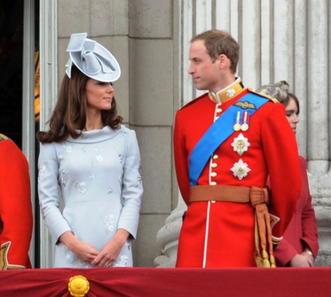 Prince William Refuses To Leave Armed Forces For Kate Middleton Or Baby! 1202