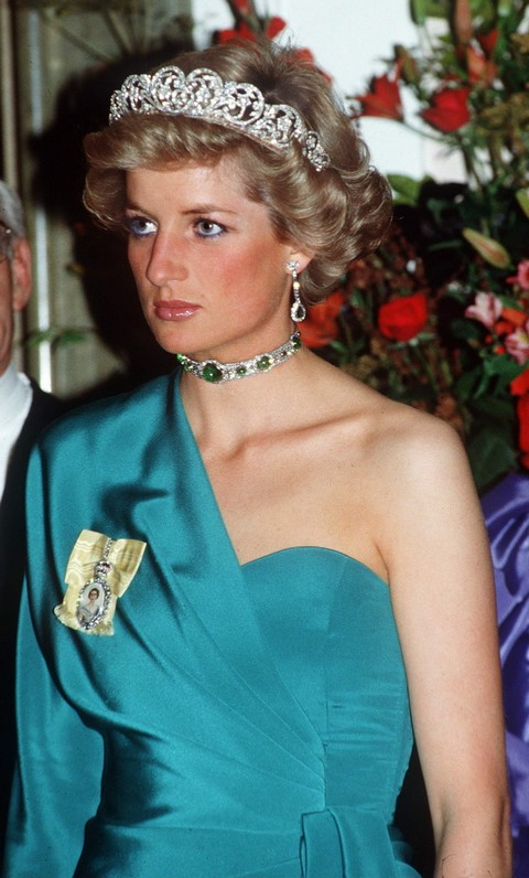 Kate Middleton and Prince William Disgusted: New Book Claims Princess Diana is Alive and Well