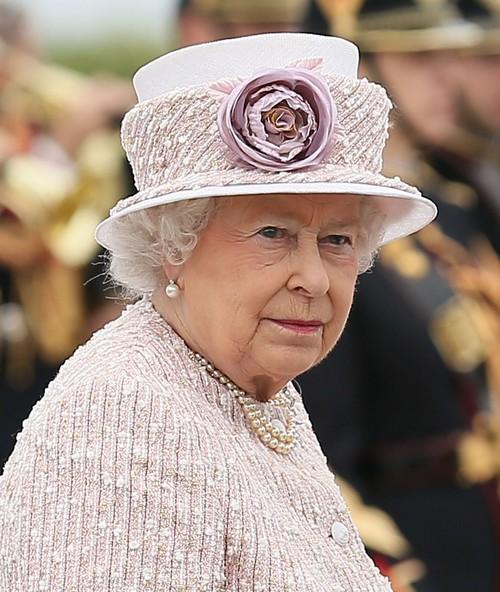 Kate Middleton Under Queen Elizabeth's Close Observation After Bare Bum Scandal (PHOTOS)
