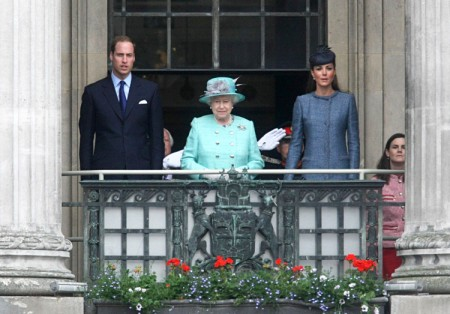 Kate Middleton And Prince William Betrayed By Queen's Decision 0620