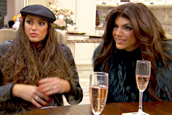 "The Real Housewives of New Jersey Live Detailed Recap: Season 6 Episode 7 ""Roses Are Red, Dina Is Blue"""