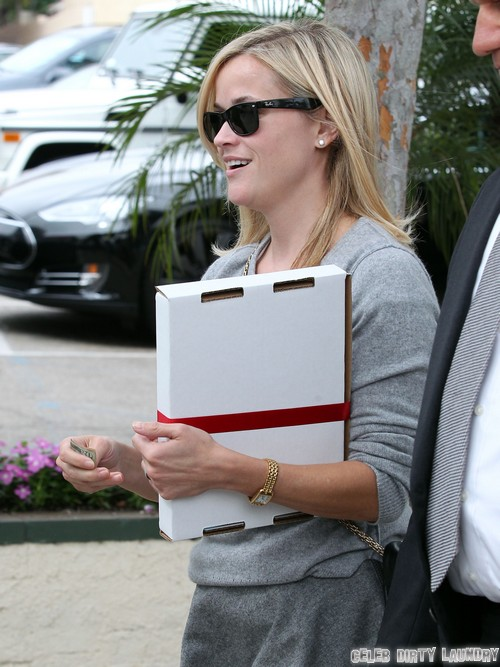 Reese Witherspoon Drinks And Drives Again - Wine at Lunch Then Takes The Wheel!