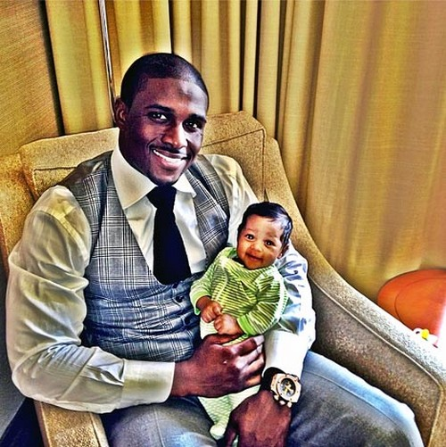 Reggie Bush Trys To Upstage Kim Kardashian By Posting Picture Of His Baby Daughter First