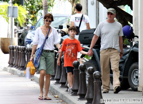 Richard Gere and Carey Lowell Separate and Divorce: Split Announced as Couple Living Separatelying