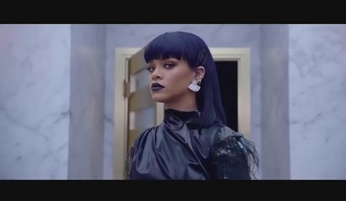 Drake Dating Rihanna: Couple Spotted Kissing On Set Of 'Work' Music Video - Getting Back Together?