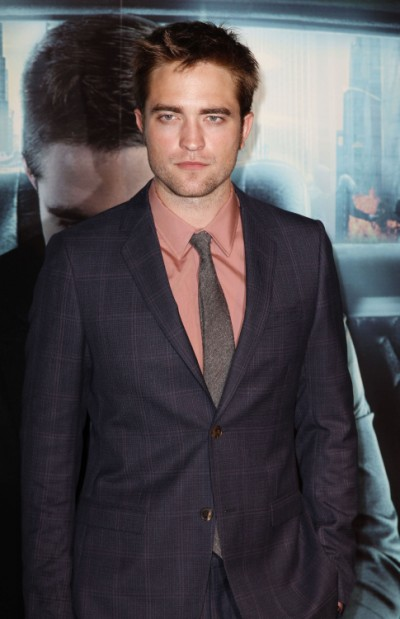 Start The Countdown: Robert Pattinson To Give First Interview In 9 Days! 0806