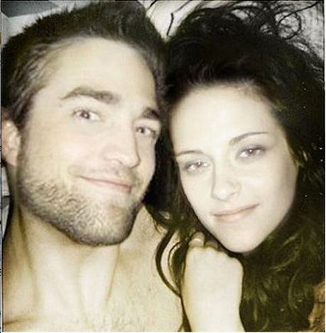 Robert Pattinson, Kristen Stewart Couple Drama: New Pic of Them in the Bedroom Surfaces! (Photo)