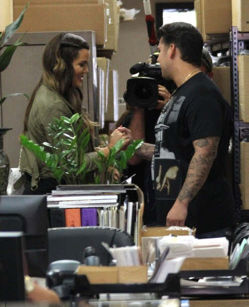 Rob & Khloe Kardashian Meet Up At An Office