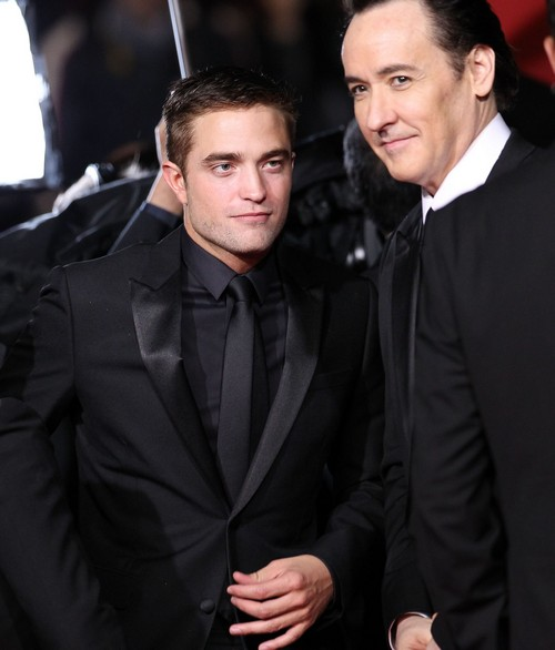 Robert Pattinson - Kristen Stewart Still In Touch - Twilight Stars Back Together For Domestic Hook-Up?