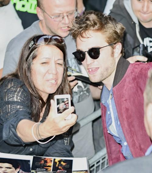Robert Pattinson and Kristen Stewart Dating Update: Twilight Stars Will Avoid Each Other At TIFF 2014