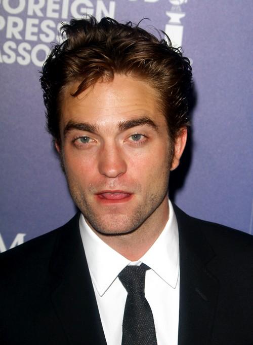 Kristen Stewart and Robert Pattinson Secret Dating Hook-Up at Venice Film Festival - Twilight Stars Together?
