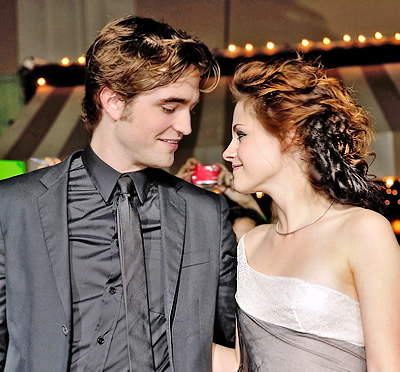 robert-pattinson-and-kristen-stewart