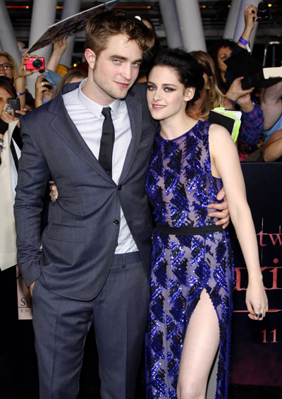 Robert Pattinson And Kristen Stewart Are Planning A Romantic Gift Swap And New Year's Eve