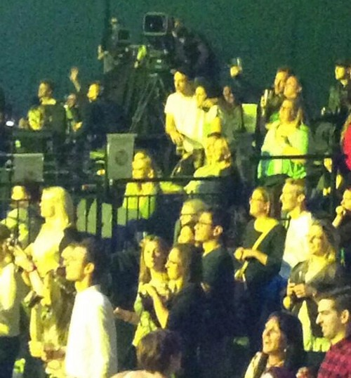 Kristen Stewart Heartbroken as Robert Pattinson Loves New Girlfriend At Katy Perry Concert! (VIDEO-PHOTOS)