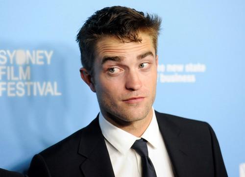 Kristen Stewart Loves Career Over Robert Pattinson - Doesn't Care Who 'Twilight' Star Dates? (PHOTOS)