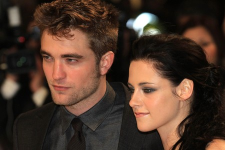 Kristen Stewart and Robert Pattinson Together At The Chateau Marmont: Eyewitness Report