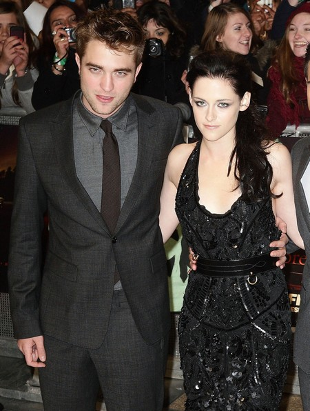 Robert Pattinson and Kristen Stewart Together Again: Reunion Hot Date At Ye Rustic Inn (VIDEO)