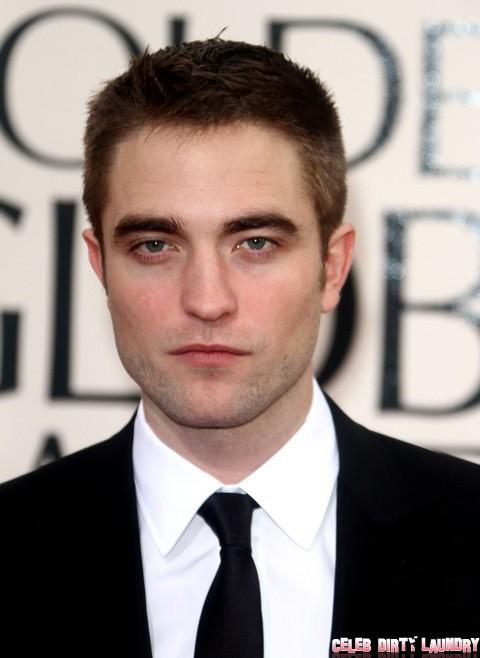 Robert Pattinson Abandons Kristen Stewart For Golden Globe Party With Old Friends
