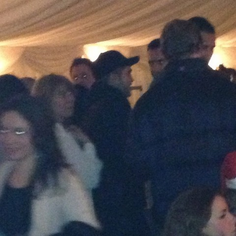 Robert Pattinson Drinking Alone Without Kristen Stewart On Christmas Eve (Photos)