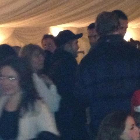 Robert Pattinson Drinking Alone Without Kristen Stewart On Christmas Eve (Photos)