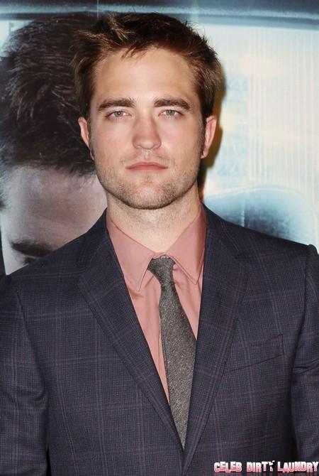 Robert Pattinson Does Dinner With Hot Ladies - Kristen Stewart Absent