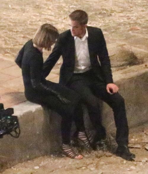 Robert Pattinson And Dylan Penn Break Up - Split as Rob Pines For Kristen Stewart?