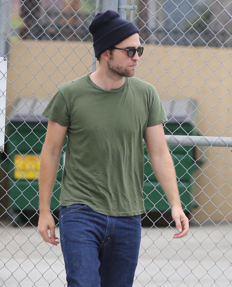 Robert Pattinson's Sexy New Workout Buddy -- New Girlfriend? Meet Her Here! (PHOTO)