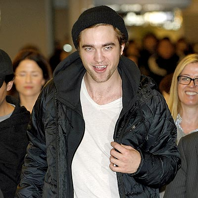 Robert Pattinson Likes Dressing Like A Bum